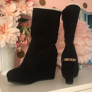 Juicy Couture black wedge boot Size 6.5